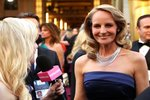 Helen Hunt Shares Her Oscars Expectations — in an H&M Gown!