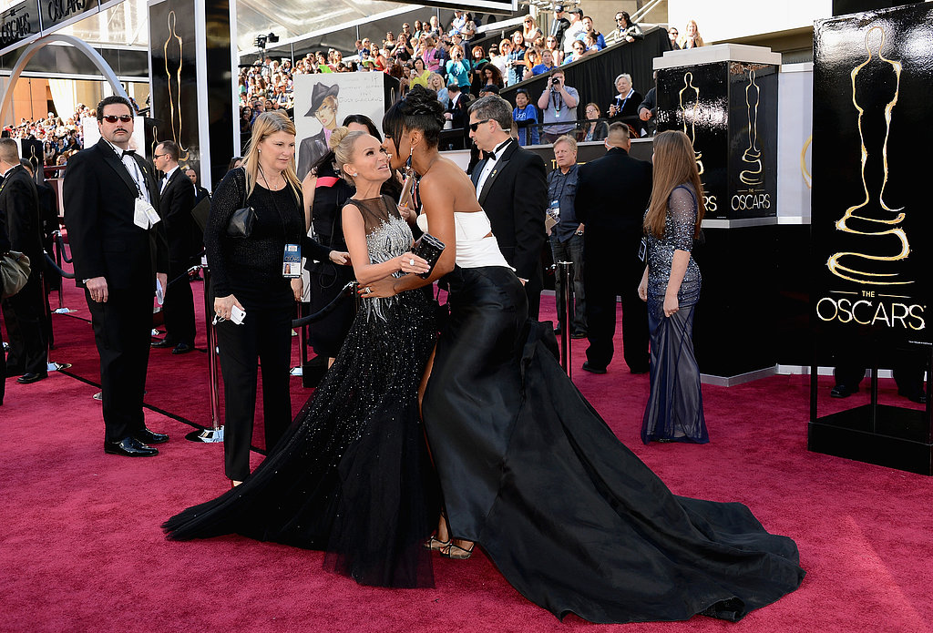 Kristin Chenoweth and Kelly Rowland greeted each other on the red carpet.