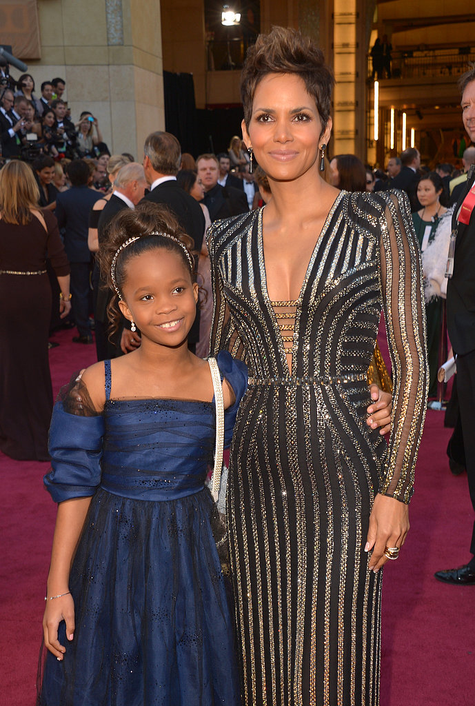 Quvenzhané Wallis and Halle Berry posed on the red carpet.