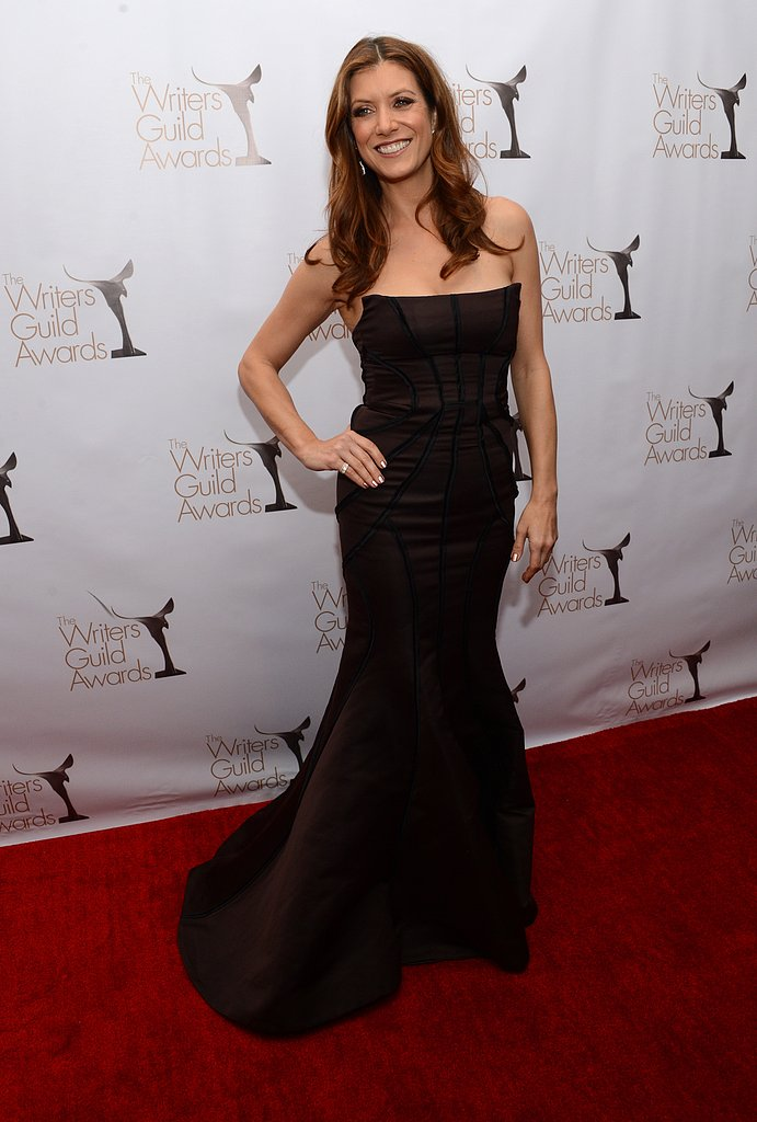 Kate Walsh went for a glam look.