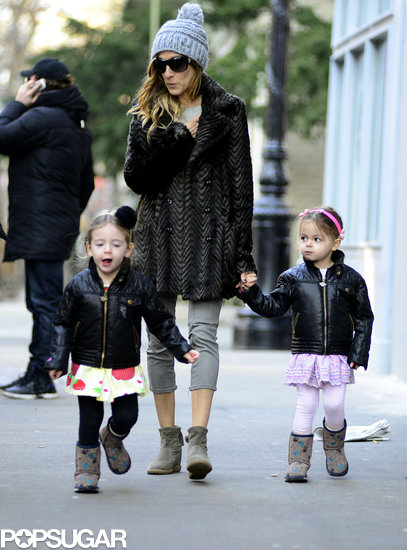 Sarah Jessica Parker took a walk with her twins, Tabitha and Loretta, in NYC on Friday.