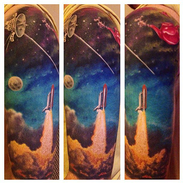 And blast off! This is an amazing space sleeve of Voyager by Mark Evans. Source: Instagram user wrentard