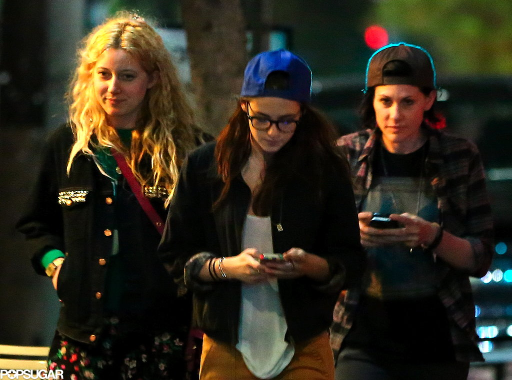 Kristen Stewart grabbed sushi with friends.