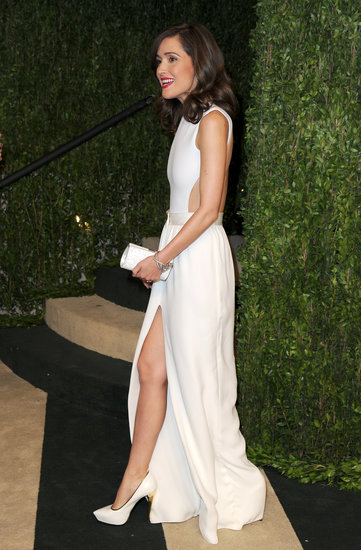Rose Byrne was a breath of fresh air in head-to-toe white at the Vanity Fair Oscars afterparty. She donned a cutout gown, then finished off the look with white Chanel pumps with subtle gold piping.