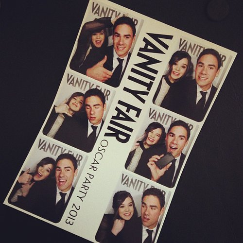 Hailee Steinfeld showed off her photo booth picture from the Vanity Fair Oscars bash. Source: Instagram user haileesteinfeld