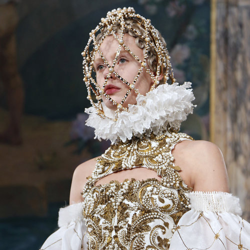 Alexander McQueen Hair and Makeup | Fashion Week 2013