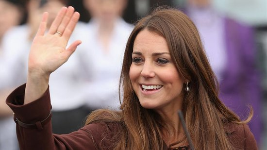 Video: Kate Middleton Says Baby Is Kicking, Justin Bieber Apologizes to London Fans, and More!