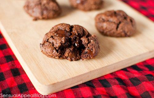 Chocolate Almond Cookies (vegan)