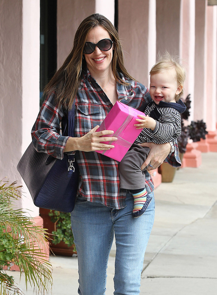 Jennifer Garner and Samuel Affleck were out and about in LA's Brentwood neighborhood in March 2013.