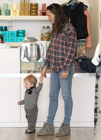 Jennifer Garner held hands with Samuel Affleck in a store.