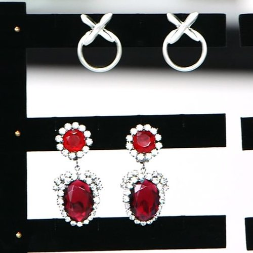 Statement Earrings For Spring 2013 (Video)