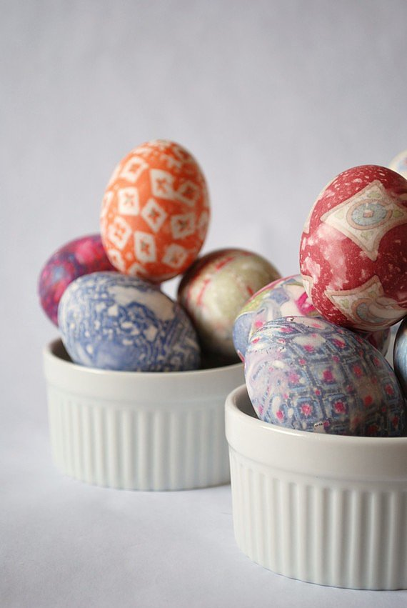 Even grown-up Easter egg hunters will be dazzled when they find eggs made with this silk-dyed Easter egg kit ($16).