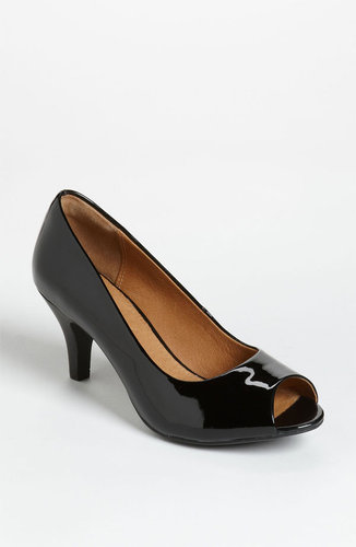 Clarks Artisan Collection 'Cynthia Avant' Pump (Online Exclusive)