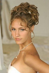hairstyle updos 201x300 Choosing The Perfect Wedding Hair Style: Tips And Advice