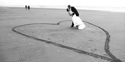 How to Plan an Affordable Beach Wedding