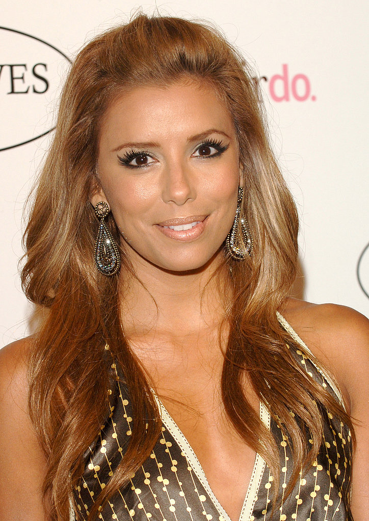 In 2006, Eva hosted her longtime hairstylist Ken Paves's salon opening in Beverly Hills. She sported a lighter hair color that was pinned back with waves.