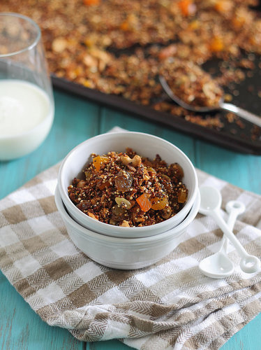 Cashew Quinoa Granola