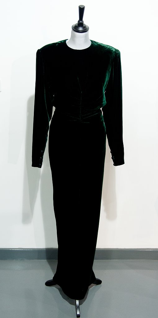 A Victor Edelstein dress worn during a private event in 1985.  Estimated price: £20,000 ($30,202) to £30,000 ($45,303)