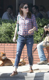 Jennifer Garner grabbed lunch with a friend in Santa Monica.