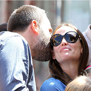 Ben Affleck Kisses Jennifer Garner | Pictures