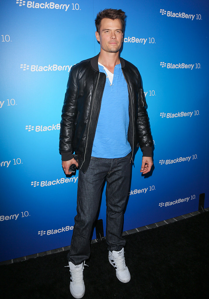 Josh Duhamel went for simple sneakers.