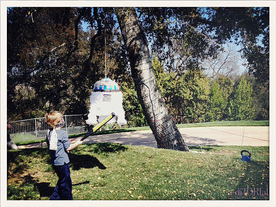 R2-D2 piñata time!