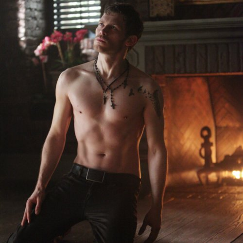 Joseph Morgan Shirtless on The Vampire Diaries