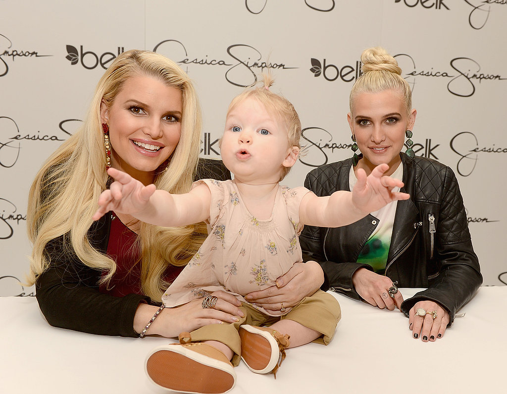 Jessica Simpson and Ashlee Simpson posed with Maxwell Johnson.