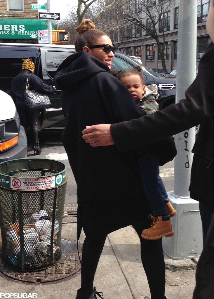 Beyoncé Knowles carried Blue in Brooklyn.  Source: Splash News Online/ Richgirlonabudget.com