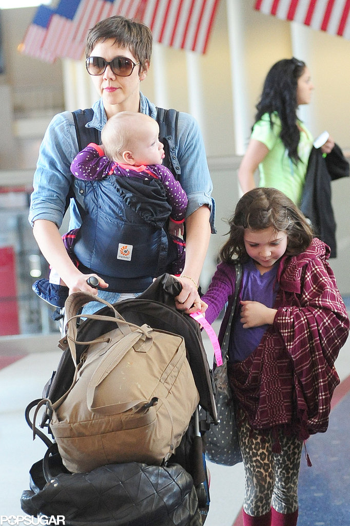 Maggie Gyllenhaal arrived in LA with her daughters, Ramona and Gloria.