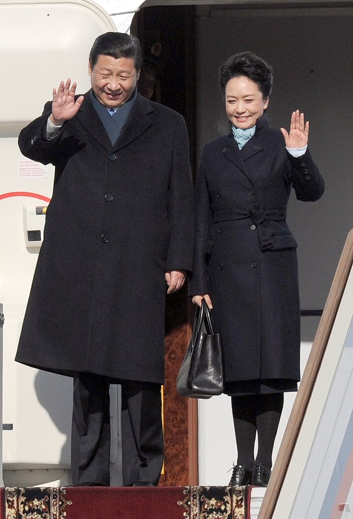 Before Africa, the Chinese first couple arrived in Russia during their trip overseas.