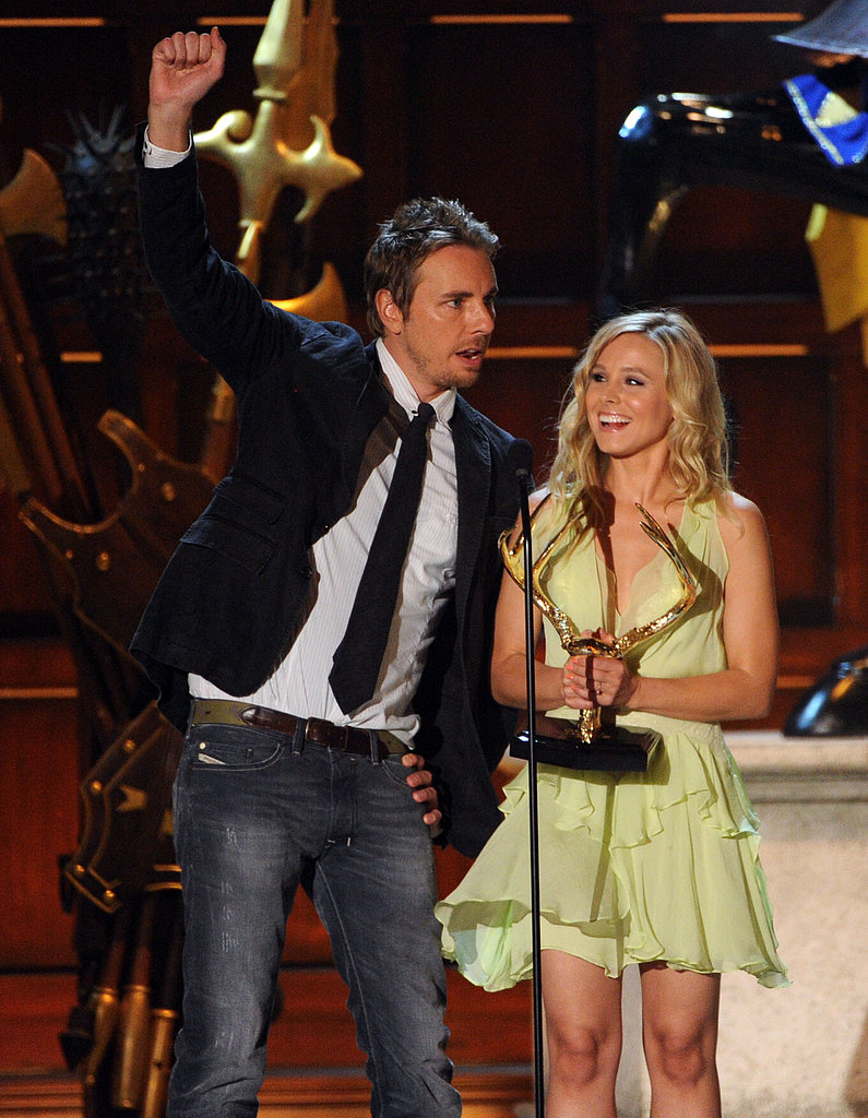Dax Shepard and Kristen Bell took the stage at the June 2012 Guys Choice Awards.
