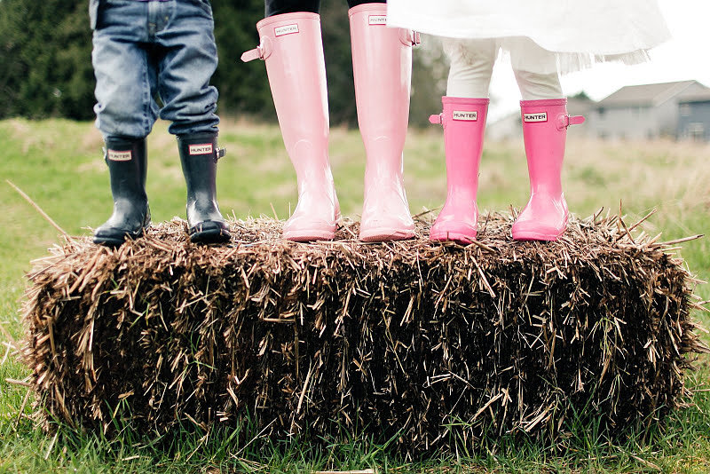How sweet! Matching rain boots made for an adorable Easter family photo. Source: Kaylee Eylander Photography via Jenny Cookies
