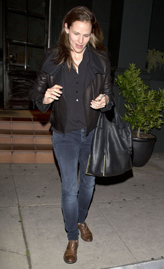 Jennifer Garner Gets a Girls' Night Out Ahead of Easter