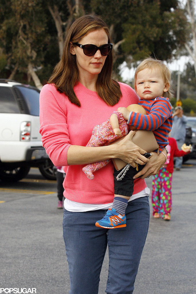 Jennifer Garner Takes Seraphina on an Adorable Pony Ride