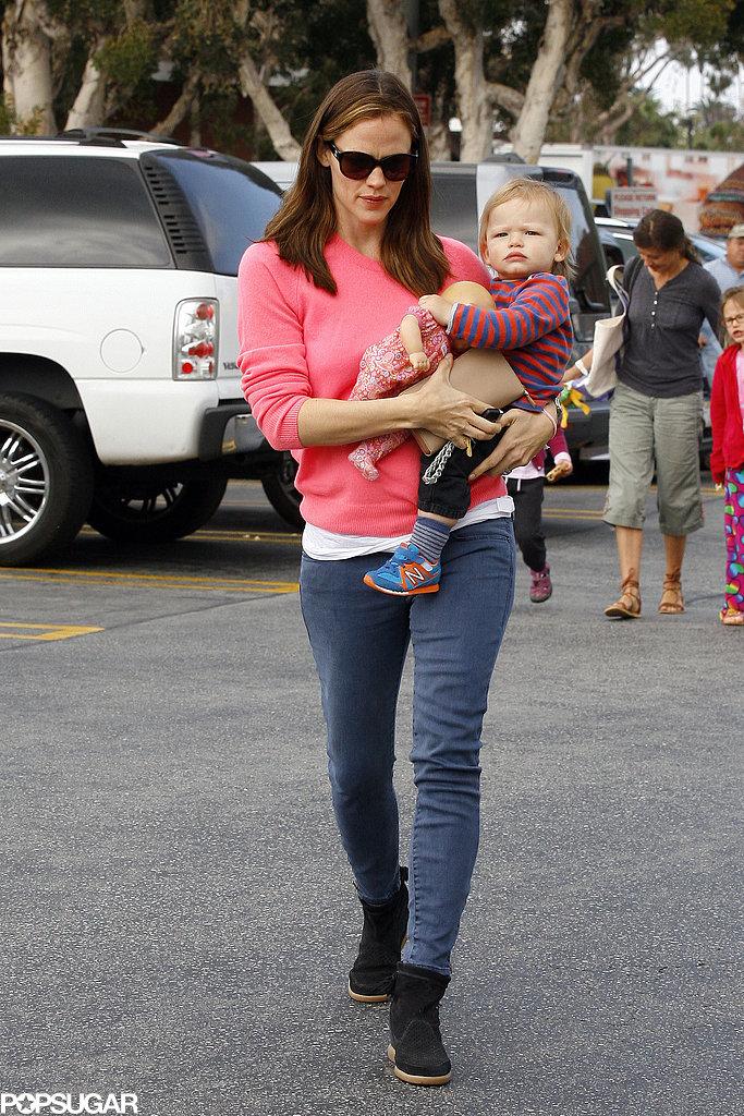 Jennifer Garner carried Samuel Affleck into a hardware store.