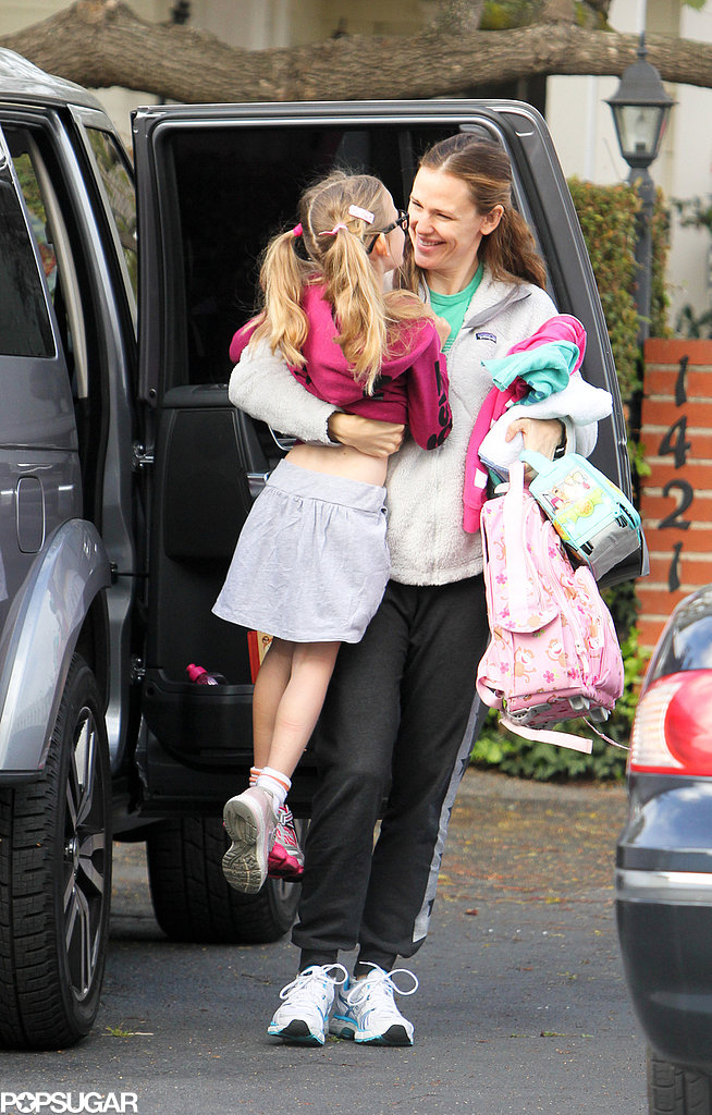 Jennifer Garner carried Violet.