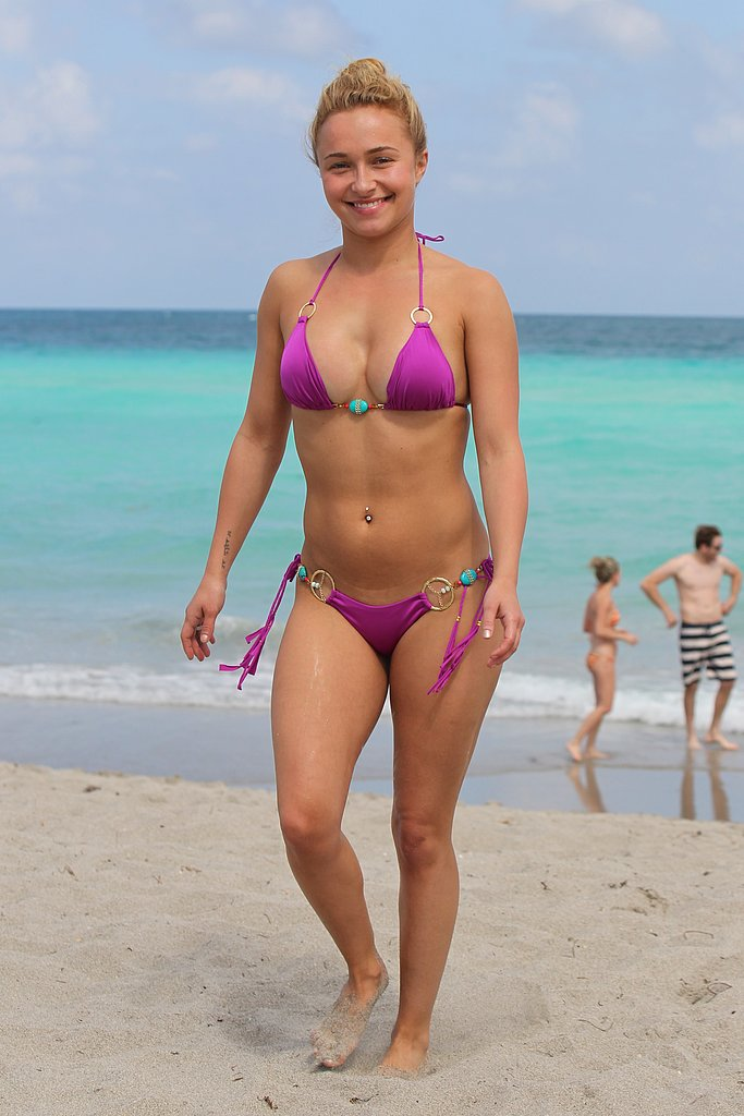 Hayden Panettiere Plays in a Pink Bikini Following Engagement Rumours