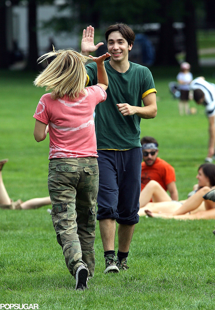 Justin Long gave Drew Barrymore a high five on the set of Going the Distance in NYC on August 2009.