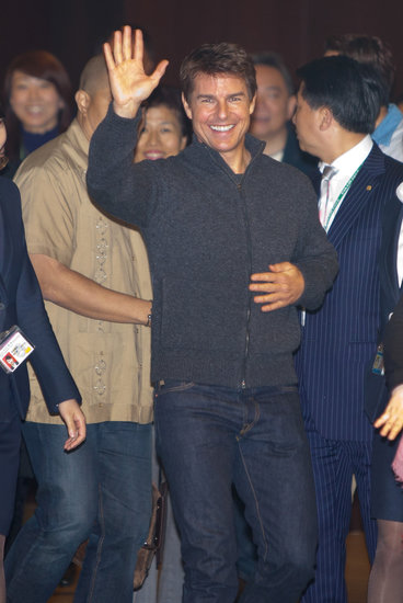Tom Cruise waved in Taiwan.