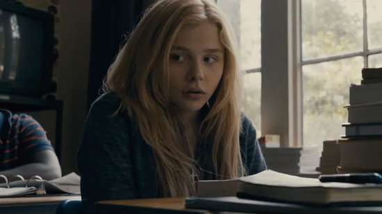 Video: Chloë Grace Moretz Terrifies in New Carrie Trailer, Beyoncé and Jay-Z Are Mobbed in Cuba, and More!