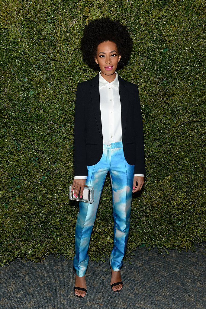 Solange Knowles wore blue pants.