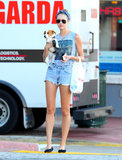 Candice Swanepoel cuddled her Jack Russell Terrier in Miami in January 2013.