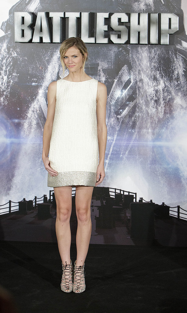 Brooklyn paired a minimalist Giambattista Valli shift with a pair of sexy lace-up heels at the Battleship photocall in Madrid.