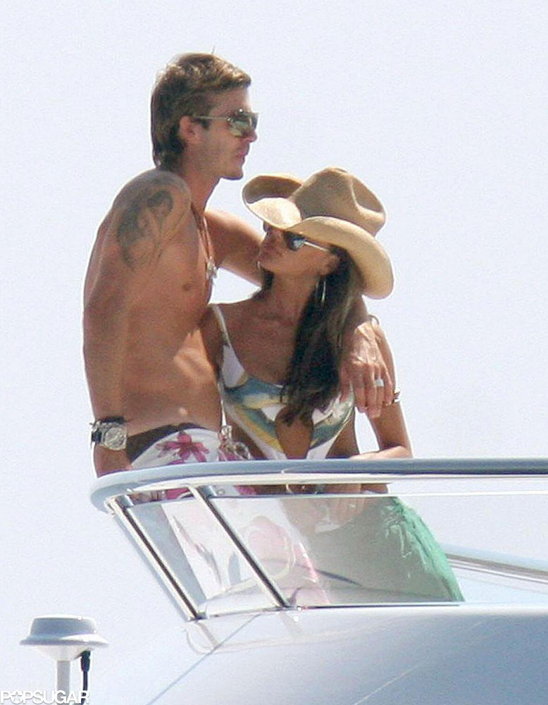 While in Saint-Tropez in June 2005, David and Victoria worked on their tans together.