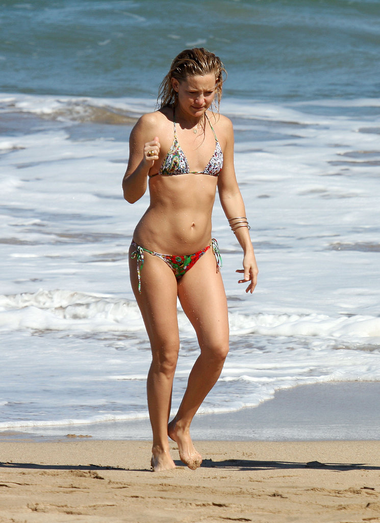 Kate Hudson took a vacation to Maui in January 2009.