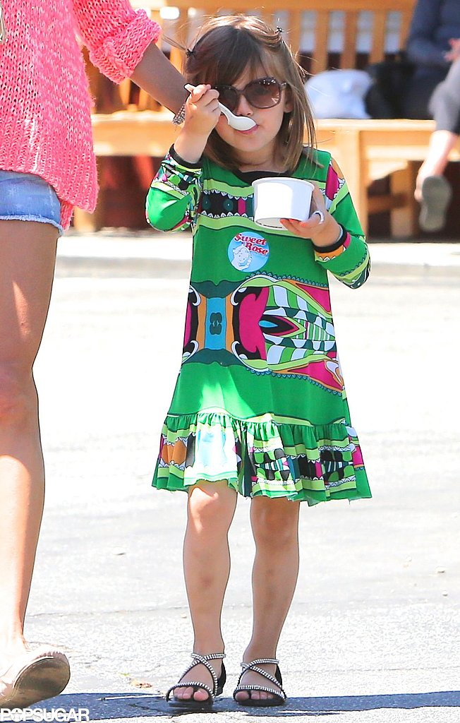 Anja Mazur ate ice cream in a printed dress.