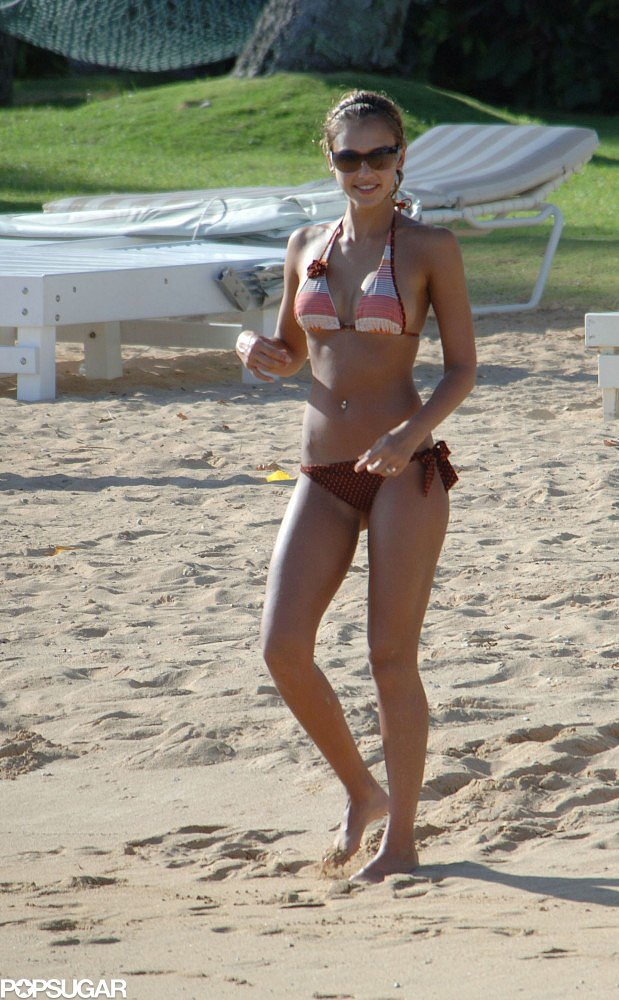 In September 2005, Jessica Alba was out in the heat during a trip to Hawaii's Big Island.