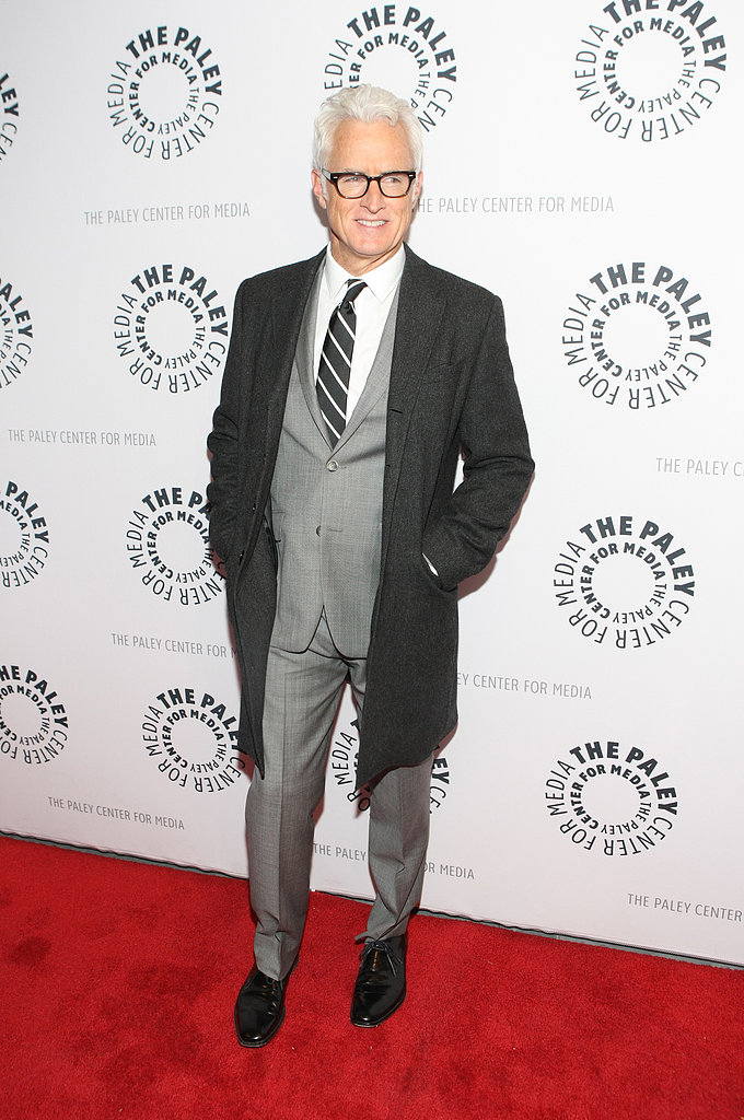 John Slattery kept his coat on during the red carpet.