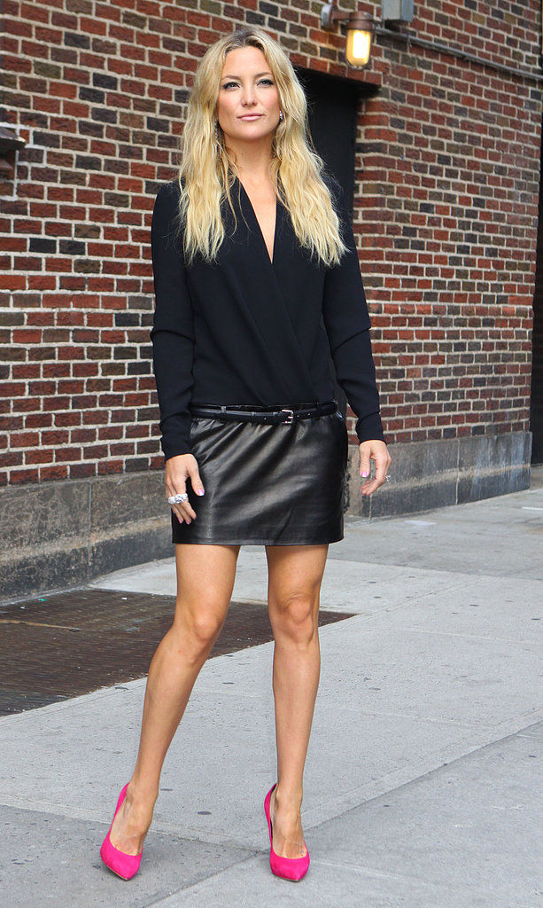 Kate Hudson wore to different black leather and pink outfits for her Late Show appearance.
